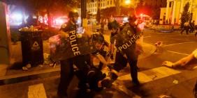 Polizeieinsatz bei Protesten in Washington am 31. Mai 2020   Bild: Shutterstock
